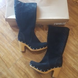 Gorgeous ugg suede boho tall boot